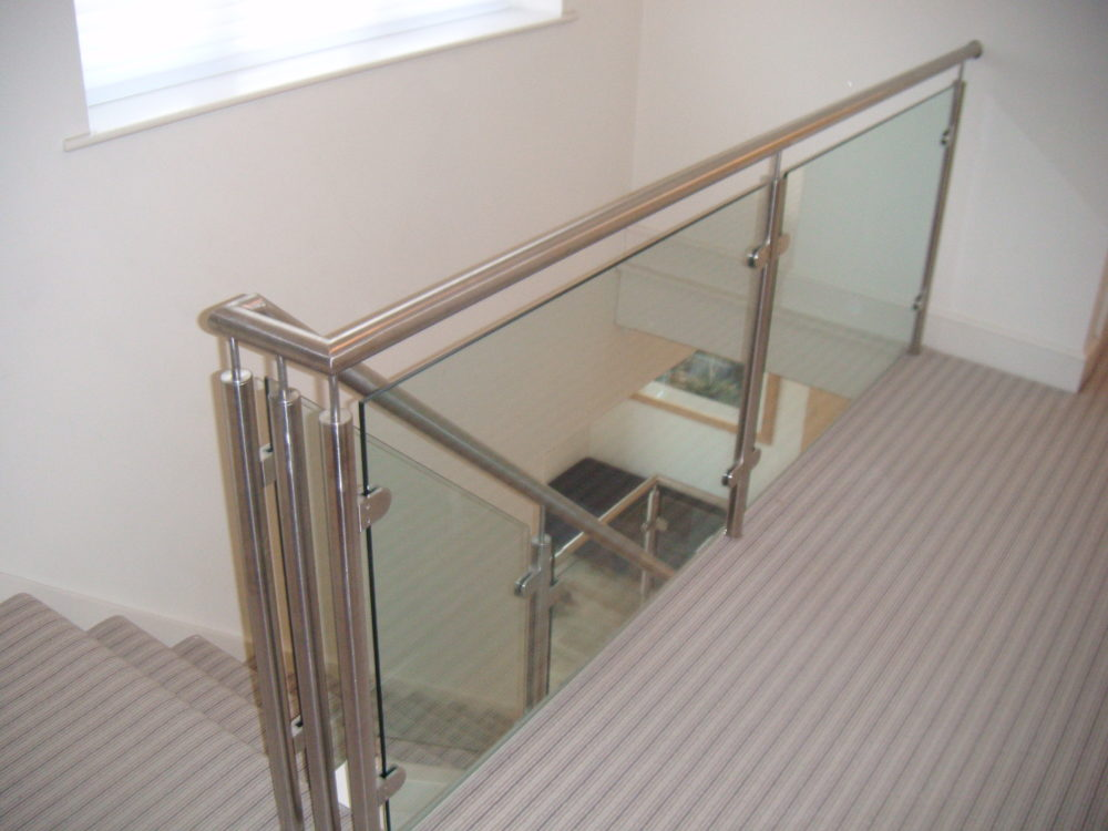 House balustrade with Glass Infill